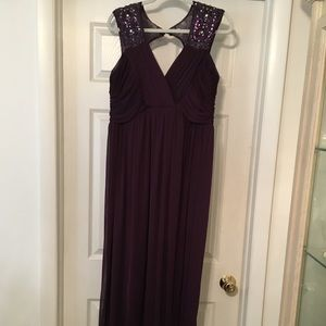 NW Formal Burgundy Sequined Gown